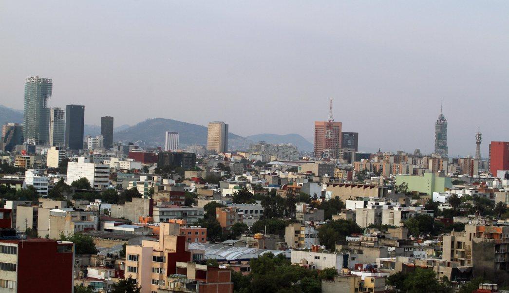 La Ciudad de México es afectada por fuertes vientos; el número de emergencias 911 atenderá caídas de árboles y espectaculares