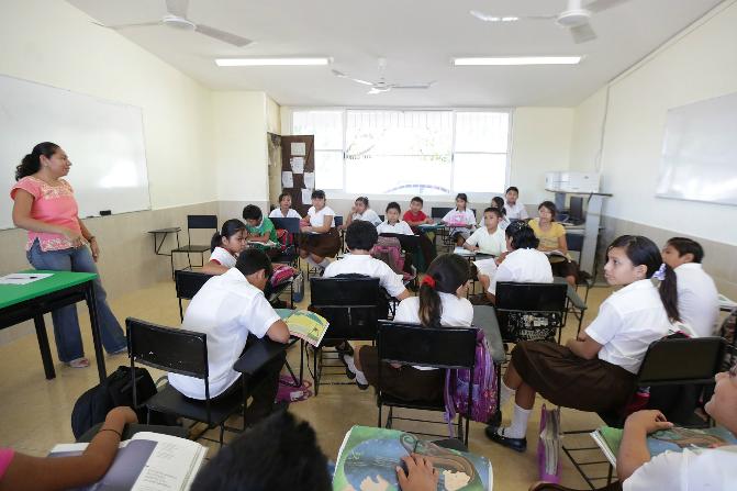 El Nuevo Modelo Educativo busca tener mejores maestros que tengan formación inicial y continua (Notimex/Archivo)