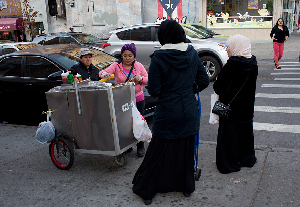 Migrantes mexicanas que trabajan en la %ta avenida en Brooklyn, NY. (Getty Images, archivo)