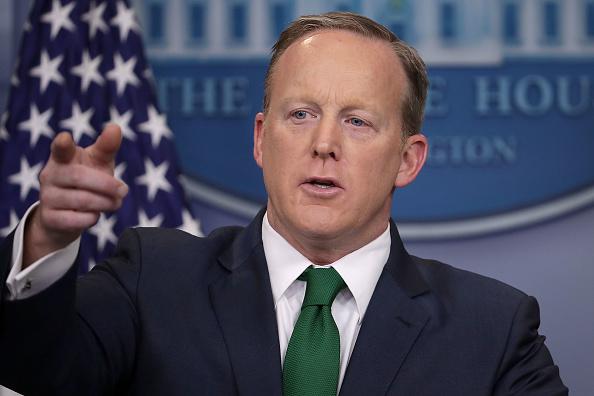 La tensión se originó cuando el portavoz de la Casa Blanca, Sean Spicer, hizo referencia al tema en una conferencia de prensa el jueves (Getty Images)