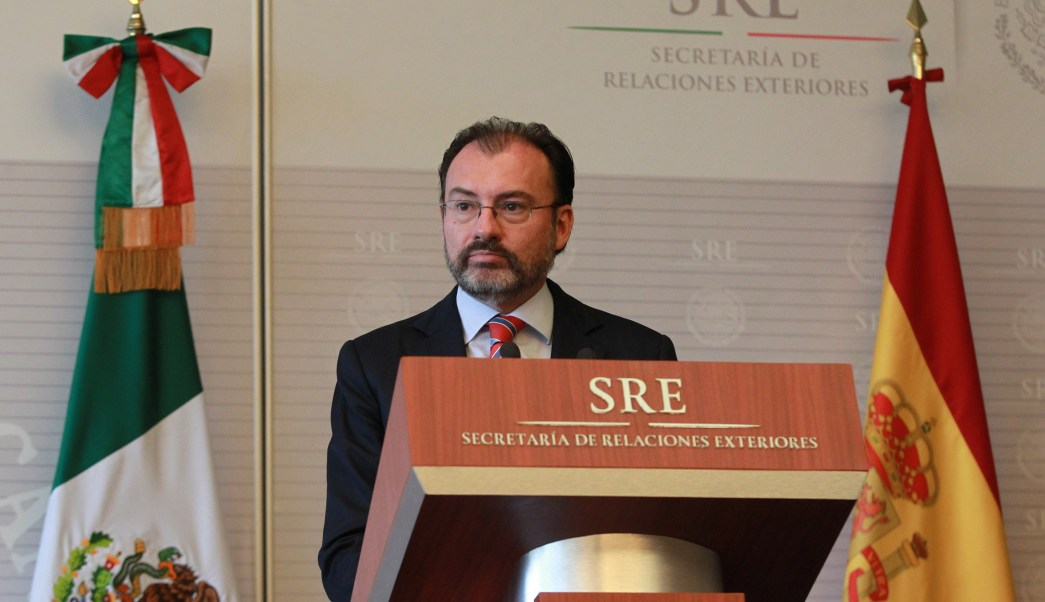 El secretario de Relaciones Exteriores, Luis Videgaray, recibió al ministro de Relaciones Exteriores y Cooperación de España, Alfonso de María Dastis Quecedo, en las instalaciones de Relaciones Exteriores. (Notimex)