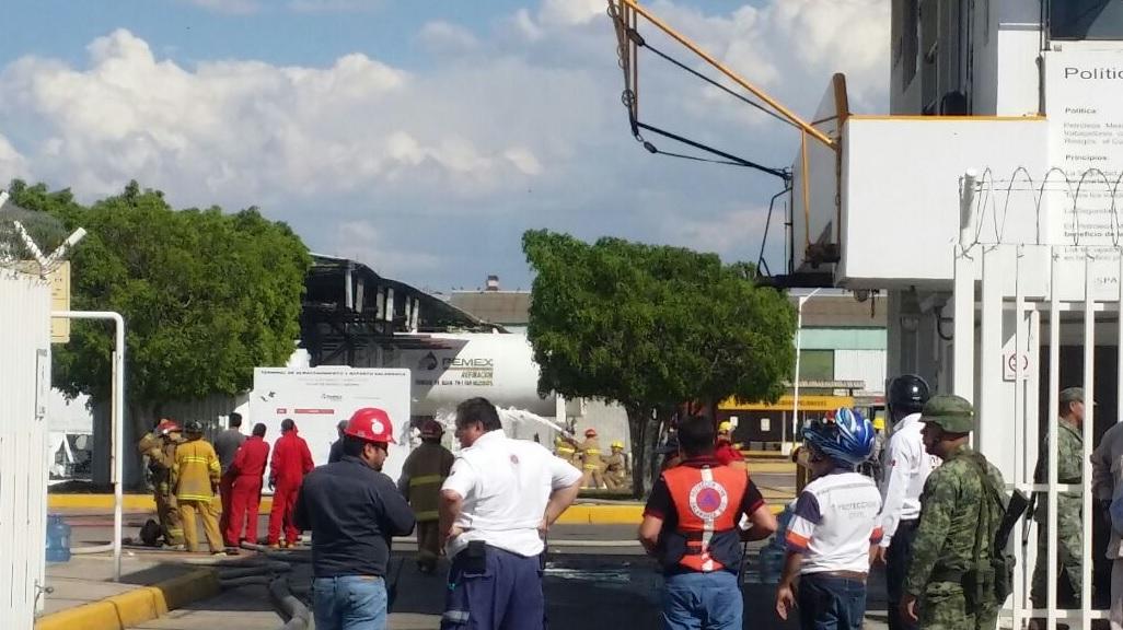 Explosión en la terminal de almacenamiento de Salamanca, Guanajuato. (Twitter @SaludGuanajuato)
