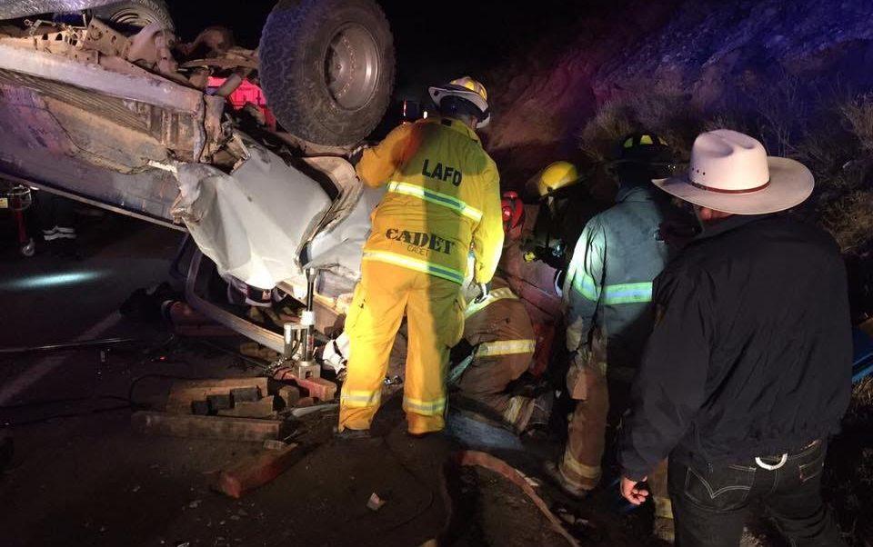 Camioneta se estrella con tráiler en Sonora; hay cuatro lesionados . (Noticieros Televisa)