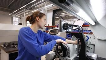 Los pedidos de bienes duraderos, que van de tostadoras a aviones fabricados para durar tres años o más, subieron 1.7%. (Getty Images)