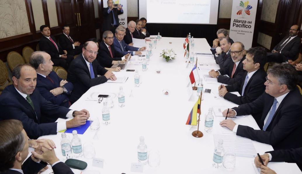 Ministros de Finanzas de la Alianza del Pacífico se reúnen con consejo empresarial que reúne al sector privado del bloque (Twitter @Min_Hacienda)
