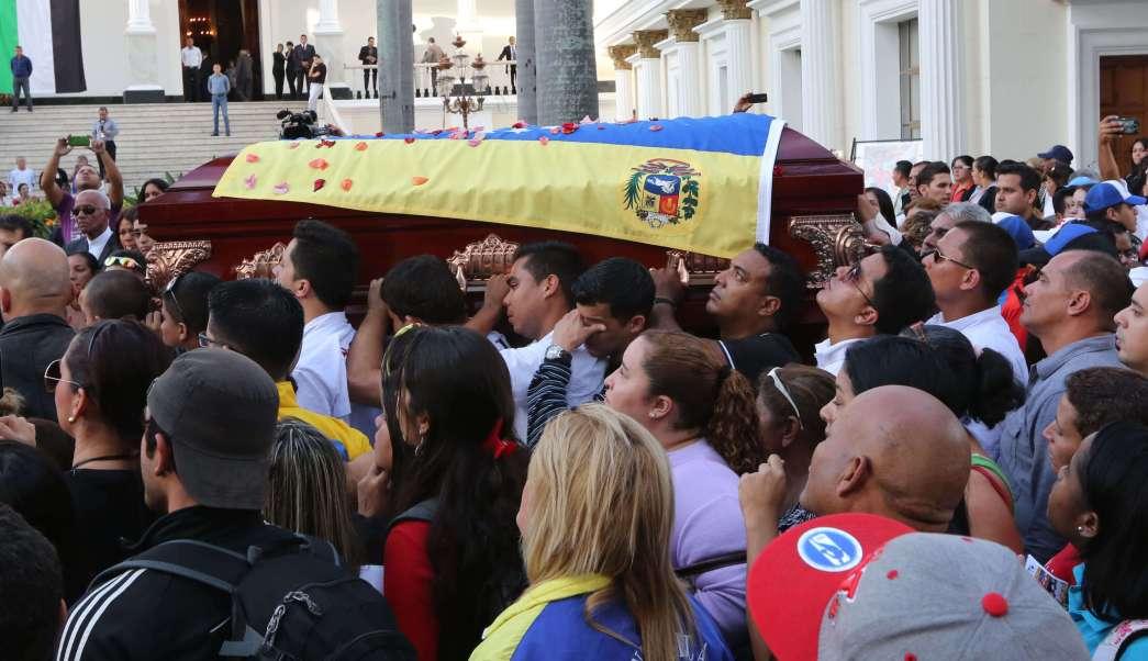 José Serra, integrante del Partido Socialista de Venezuela fue apuñalado en su casa, el jueves 2 de octubre de 2014. (AP/archivo)