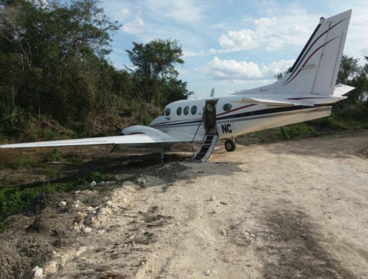 La aeronave, con destino a Campeche, perdió contacto con la torre de control del Aeropuerto Internacional del estado, a las 16:30 horas del 15 de marzo. (Sedena)