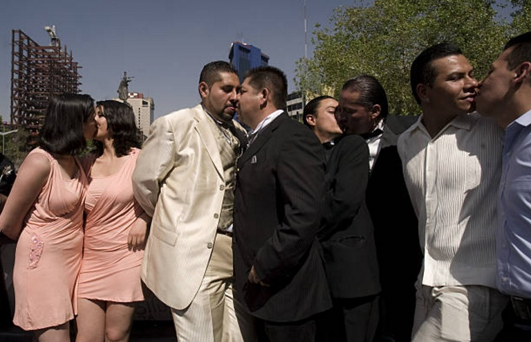 Matrimonio Simbolico En Brasil : Cdmx registra más de mil matrimonios igualitarios en