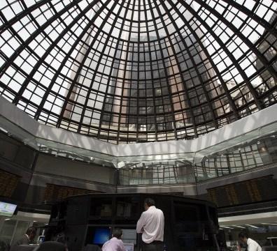 Piso de remates de la Bolsa Mexicana de Valores, que fue reconocida por impulsar las finanzas verdes. (Getty Images)