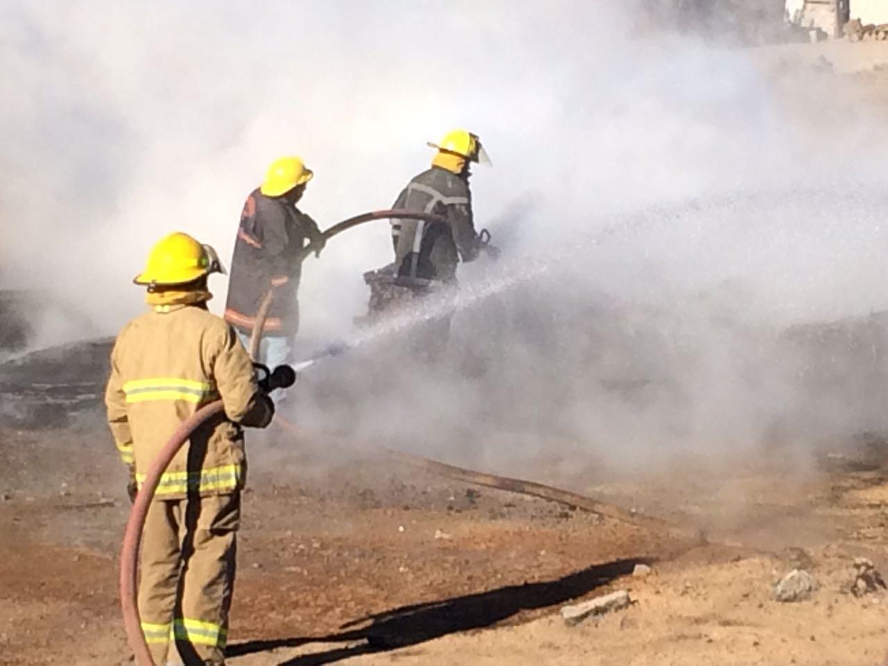 Bomberos sofocan incendio en ducto de Pemex en Acatzingo (Noticieros Televisa)