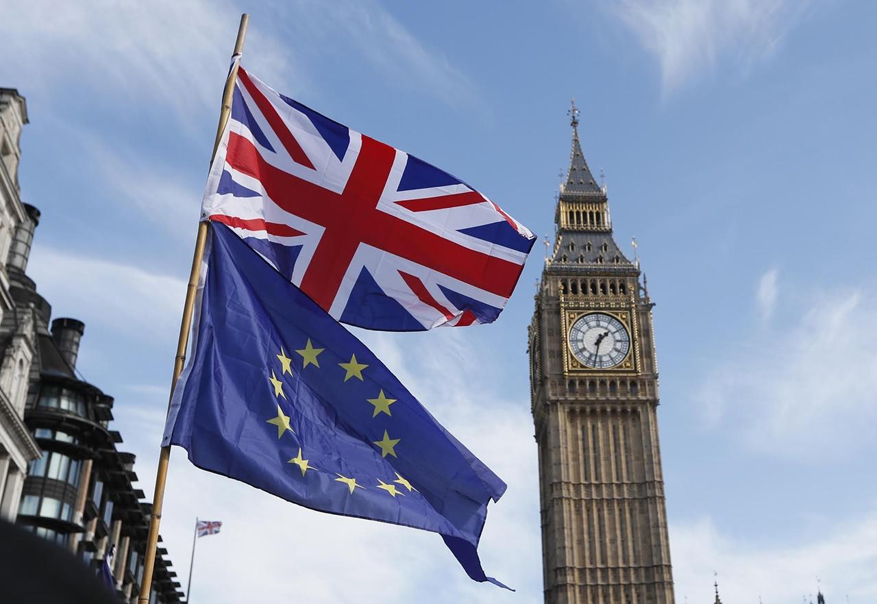 Reino Unido amenaza por error con deportar a ciudadanos de la UE