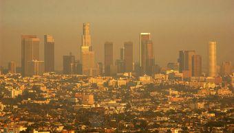 California y NY prometieron reducir sus emisiones de gases de efecto invernadero en un 40% por debajo de los niveles de 1990 antes de 2030, y en un 80% menos hacia 2050.