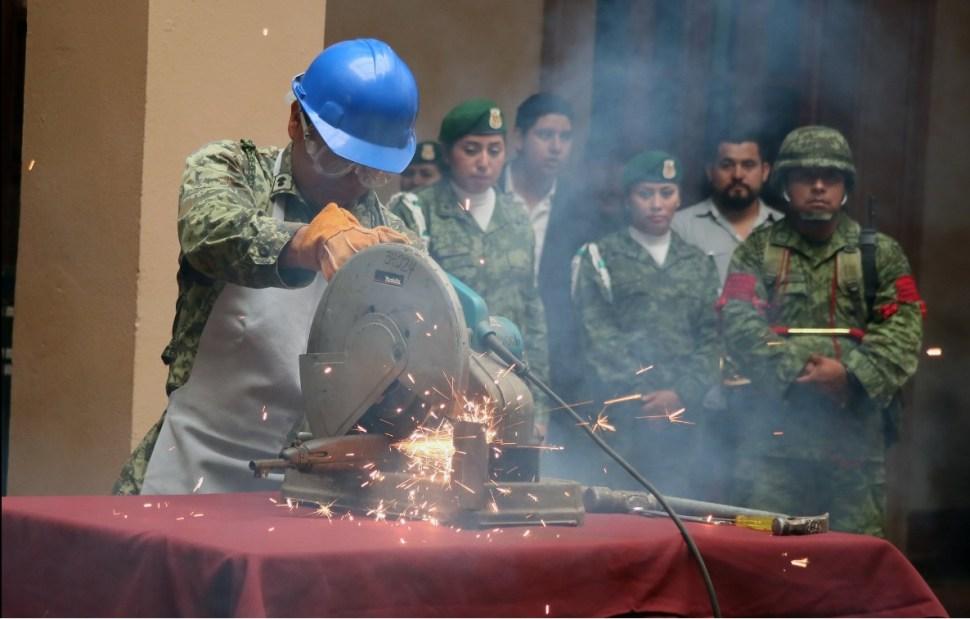 Militares encabezan el programa de canje de armas en Nuevo León (Twitter @comunicacionNL)