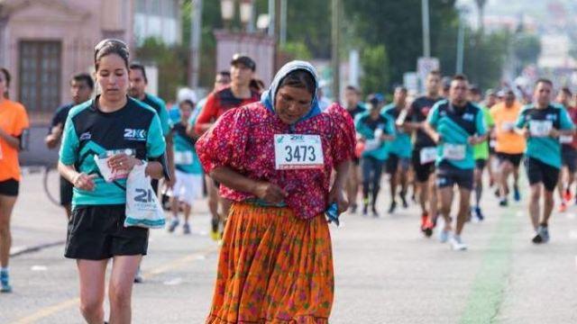 Tras cinco años de realizarla en Monterrey, Nuevo León, la Carrera Tarahumara CDMX se llevará a cabo el 11 de junio en el Bosque de Chapultepec. (@Asb71Poeta)
