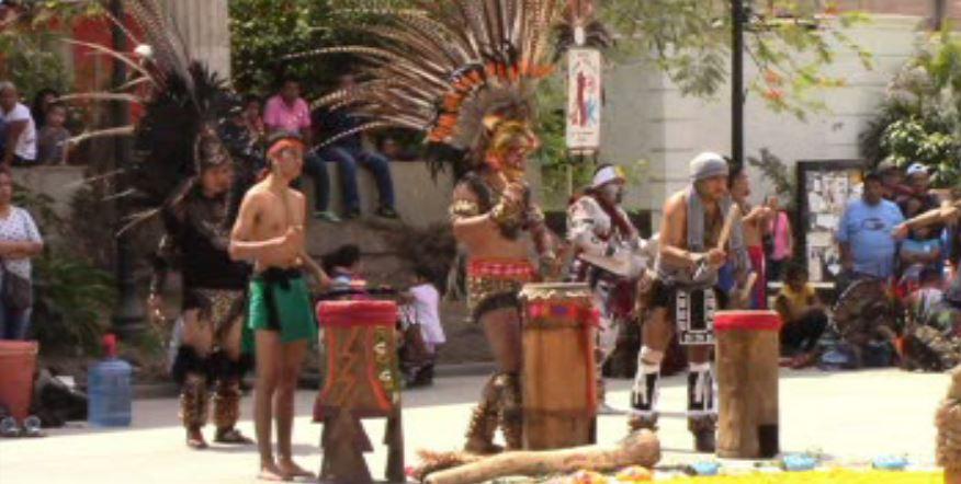 Danzantes celebran año nuevo mexica en el zócalo de Chilpancingo, Guerrero