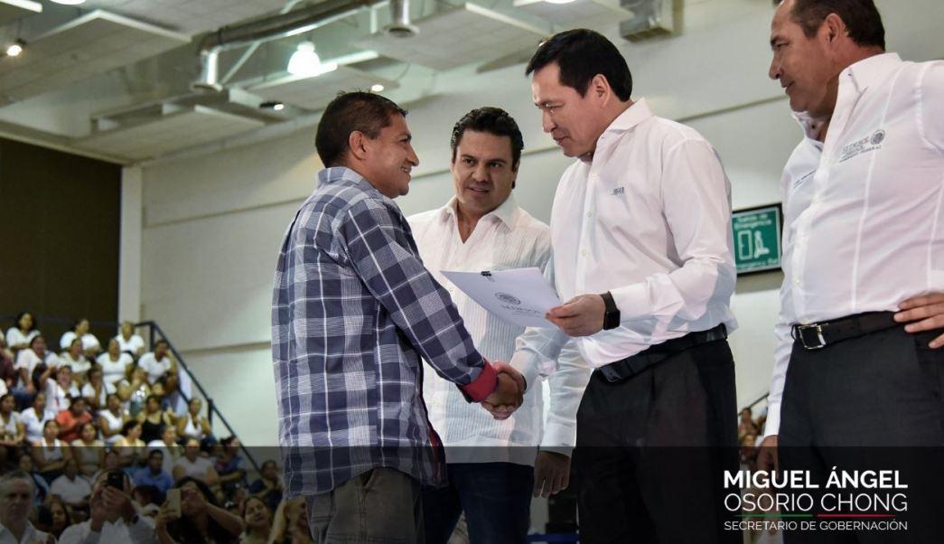 """El secretario de Gobernación, Miguel Ángel Osorio Chong, puso en marcha el programa """"Soy México, identidad e Inclusión"""" (Twitter/@osoriochong)"""