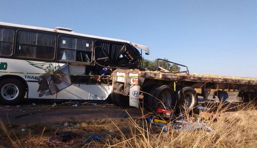 Choque de autobús en Guanajuato (Noticieros Televisa)