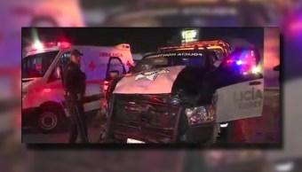 Cuatro lesionados deja un choque entre una patrulla de Monterrey y una camioneta (Twitter @_LASNOTICIASMTY)