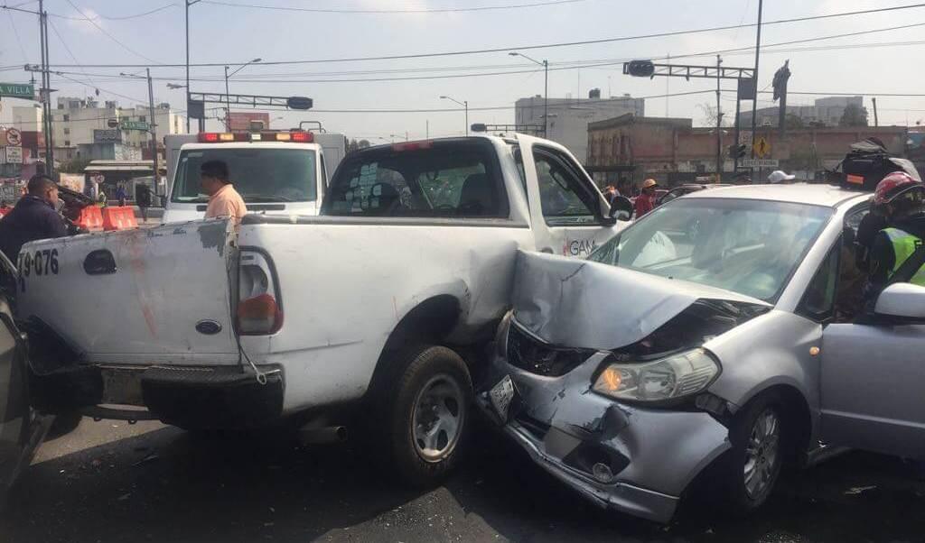 EEn la Ciudad de México se redujeron 18 por ciento el número de muertes en accidentes viales (S. Servín/archivo)