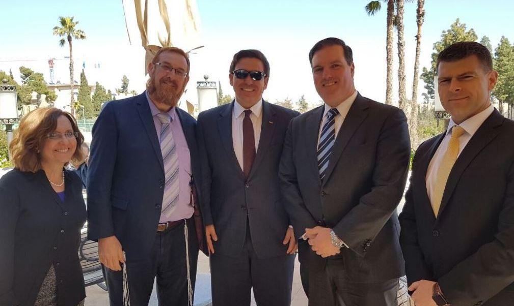 El grupo de congresistas estadounidenses llegó a Israel el sábado e inició una visita que incluye una cita con el primer ministro, Benjamin Netanyahu. (http://www.timesofisrael.com)