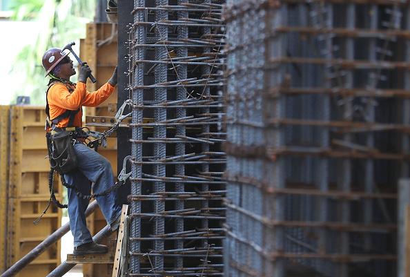 El clima permitió que las edificaciones de casas unifamiliares aumentaran a cerca de máximos en nueve años y medio. (Getty Images)