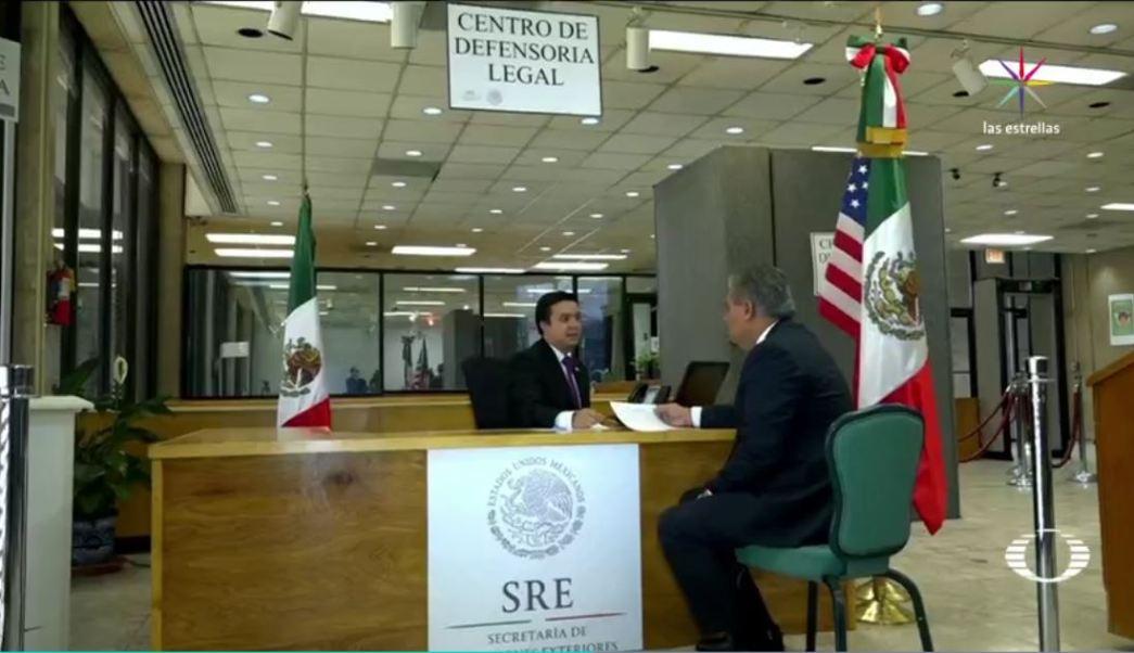 El Consulado General de México en El Paso, Texas, abre el Centro de Defensoría Legal con más de 12 abogados para defender los derechos de los mexicanos indocumentados que viven el sur de Texas. (Noticieros Televisa)