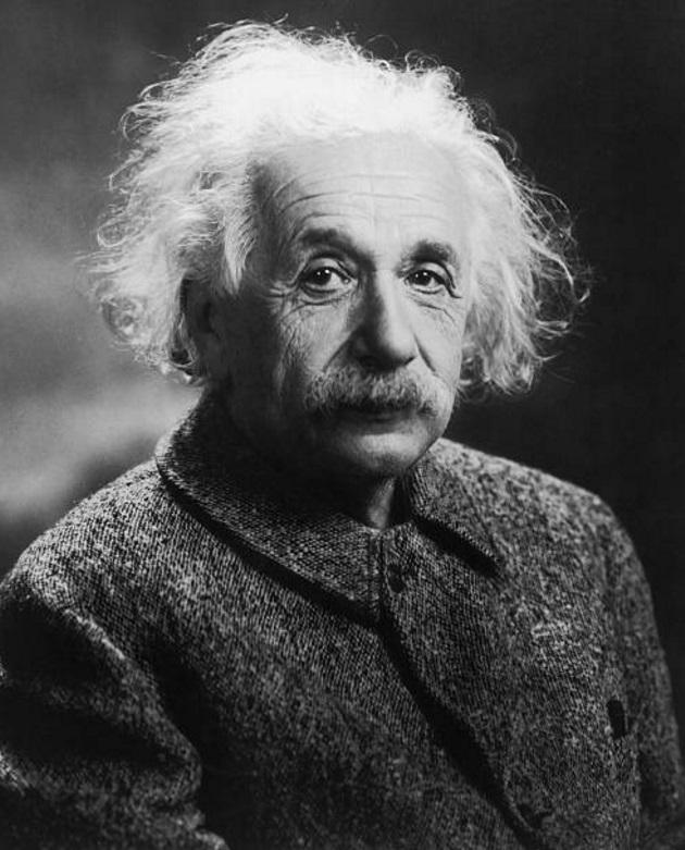 El físico alemán Albert Einstein (1939), quien desarrolló la Teoría de la Relatividad. Se mudó a Princeton, Nueva Jersey en 1933, cuando Hitler llegó al poder (Getty Images)