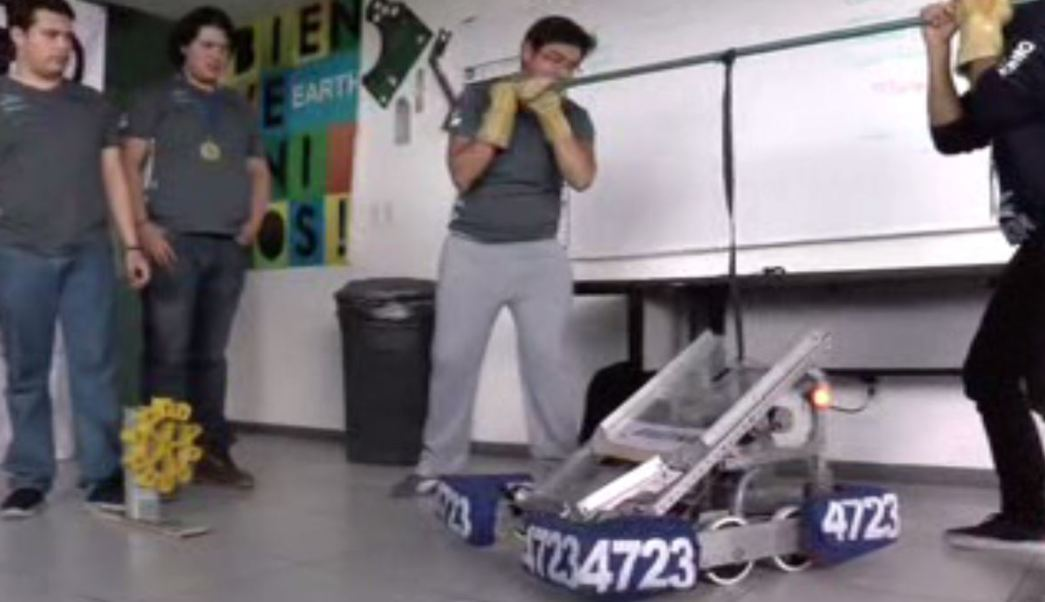 Estudiantes de Puebla ganan el First Robotics Competition. (Noticieros Televisa)
