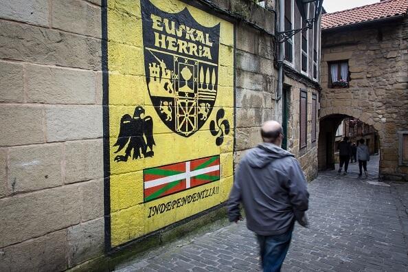 El grupo ETA, que significa Euskadi Ta Askatasuna, es decir Euskadi y Libertad, surgió en 1959 bajo el franquismo. (Getty images, archivo)