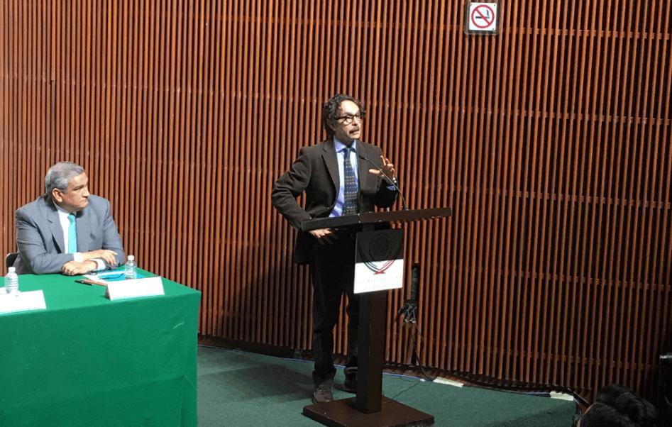 """""""Si me invitan yo evaluaré las posibilidades. Nunca me he descartado para nada"""", afirmó Quadri, durante la presentación, en la Cámara de Diputados, su nuevo libro 'México, un Estado sin Tierra'. (@NAlianzaCDMX)"""