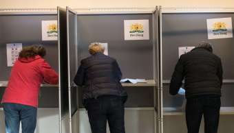 Los holandeses emitieron su voto en las elecciones parlamentarias celebradas en La Haya, Países Bajos. (Getty Images)