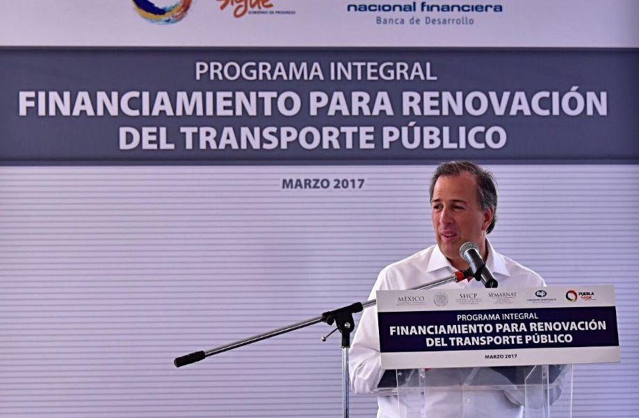 Meade dijo que trabajará por un México que tenga una economía sólida y por una región norteamericana que sea competitiva (Twitter/@SHCP_mx)