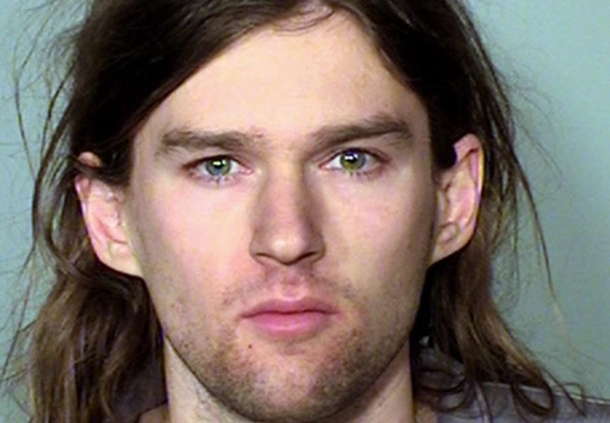 Linwood Kaine, hijo menor del senador demócrata Tim Kaine, fue arrestado durante una protesta contra el presidente Donald Trump. (AP)