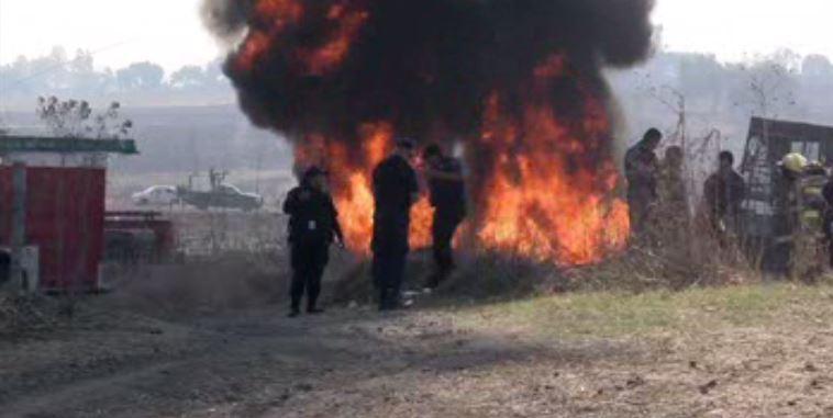 Bomberos en Guadalajara atienden incendio en predio de Tlajomulco de Zuñiga (Noticieros Televisa)