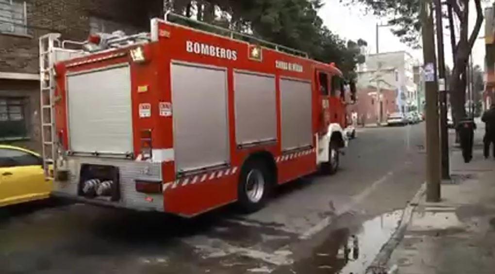 Los servicios de emergencia cerraron la vialidad durante varios minutos (FOROtv)