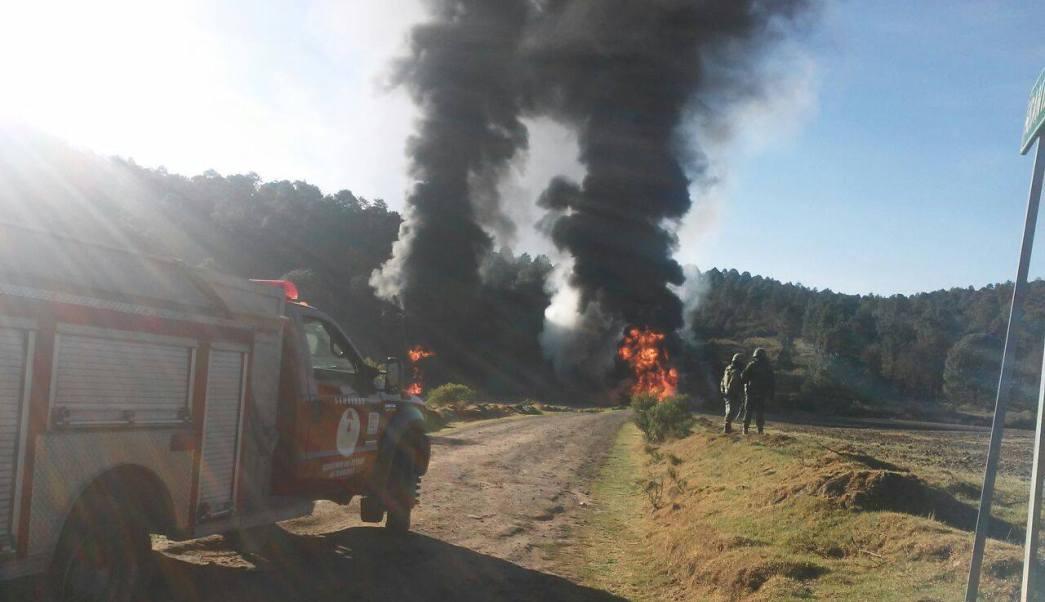 El fuego fue controlado luego de 10 horas de trabajos de bomberos y cuerpos de emergencia. (Facebook-CES Tlaxcala)
