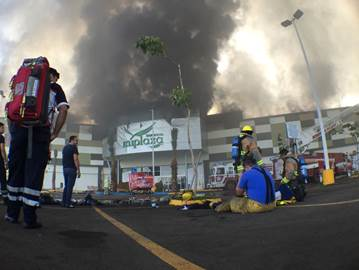Incendio en plaza comercial de Culiacán, Sinaloa (Noticieros Televisa)