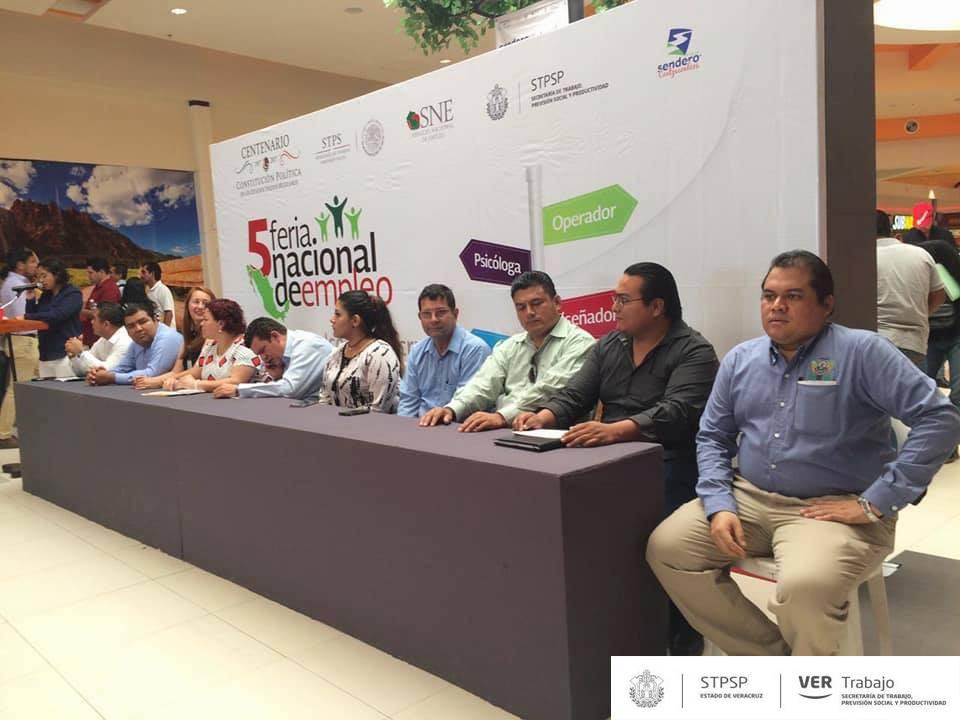 Inicia la 5ta Feria del Empleo Coatzacoalcos 2017. (Twitter @STPSPveracruz)