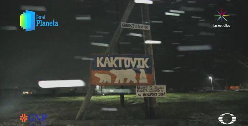 Letrero de Kaktovik (Por el Planeta/Noticieros Televisa)