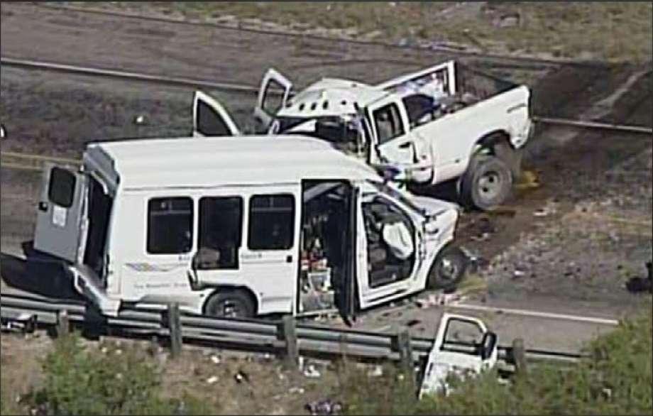 Choque de camionetas deja varios muertos en Texas