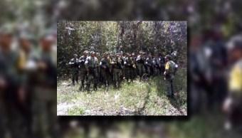 Militares apoyan en los trabajos de extinción de un incendio forestal en Isla Mujeres, Quintana Roo (Sedena)