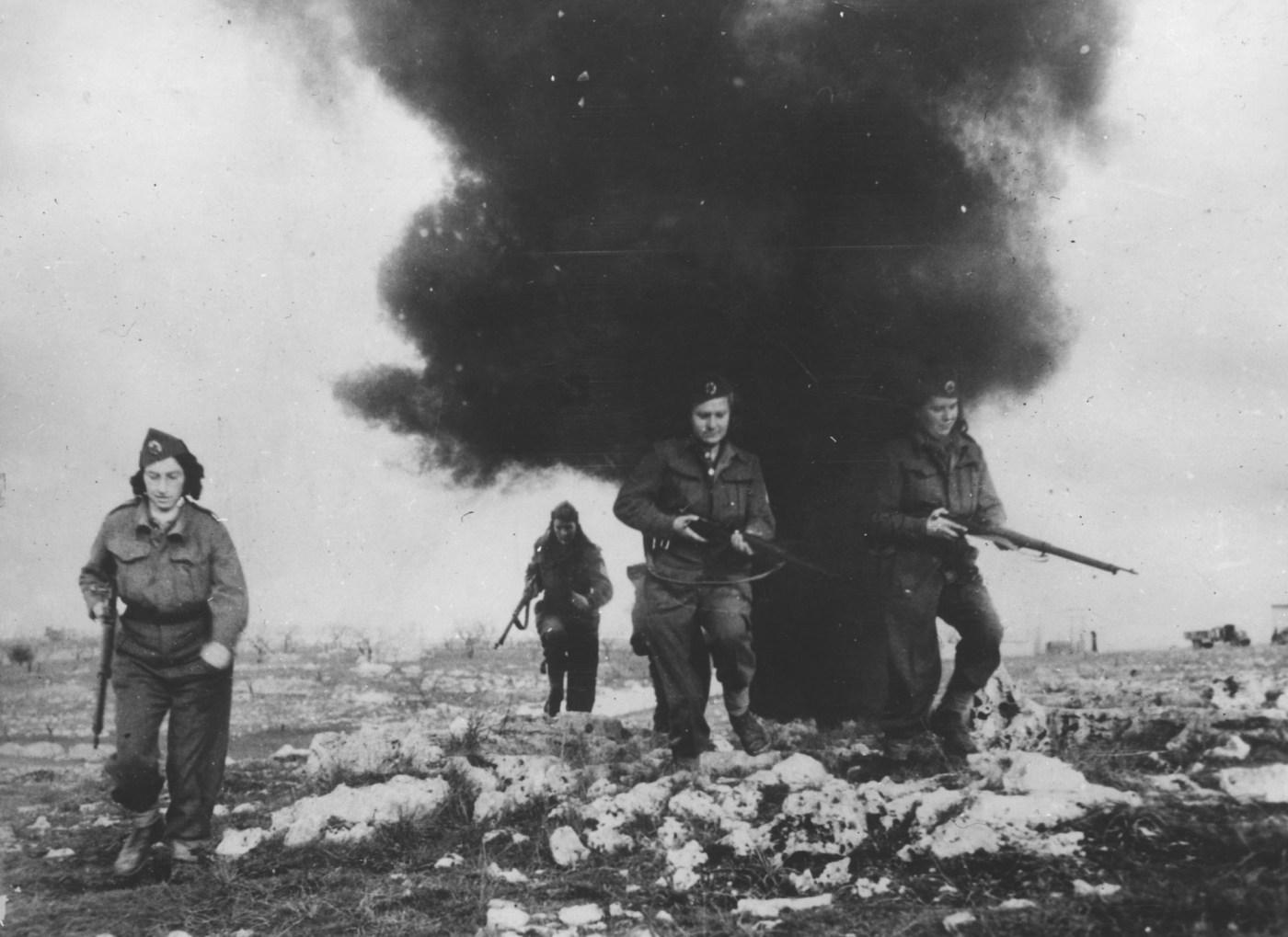 Mujeres yugoslavas combatientes en la Segunda Guerra Mundial.