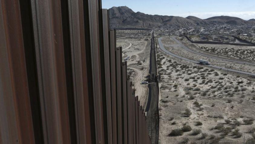 Muro con México enfrenta problemas financieros, geográficos y legales