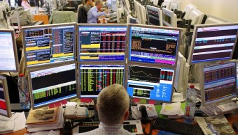 Operador de la Bolsa de París. (Getty Images, archivo)