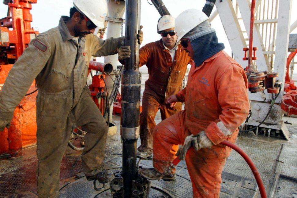 Extracción petrolera en Kuwait. (Photo by Joe Raedle/Getty Images)
