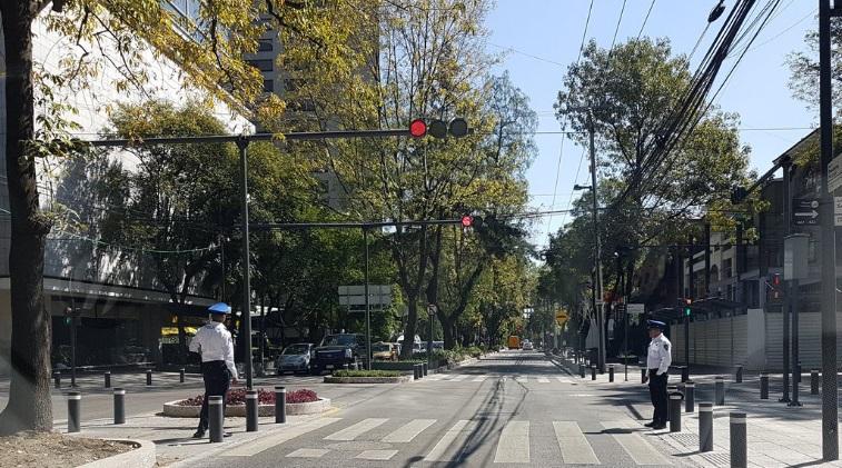 Autoridades vigilan avenida Presidente Masaryk en Polanco (Twitter @jcchavarria)
