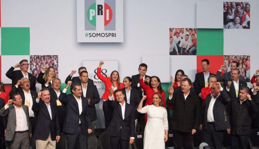 Peña Nieto convoca a los priistas a dejar de lado los intereses personales o de grupo y trabajar en un solo equipo (Twitter: @ruizmassieu)
