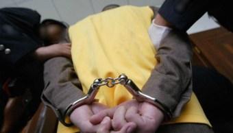 Llevan a prisión a una persona; autoridades judiciales dictan más de 10 años de prisión contra 10 miembros de un grupo delincuencial con presencia en Jalisco (Getty Images, archivo)