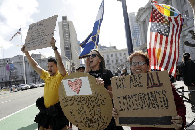 Protesta del 16 de febrero, en San Francisco, en contra de las políticas migratorias de Trump. (AP, archivo)