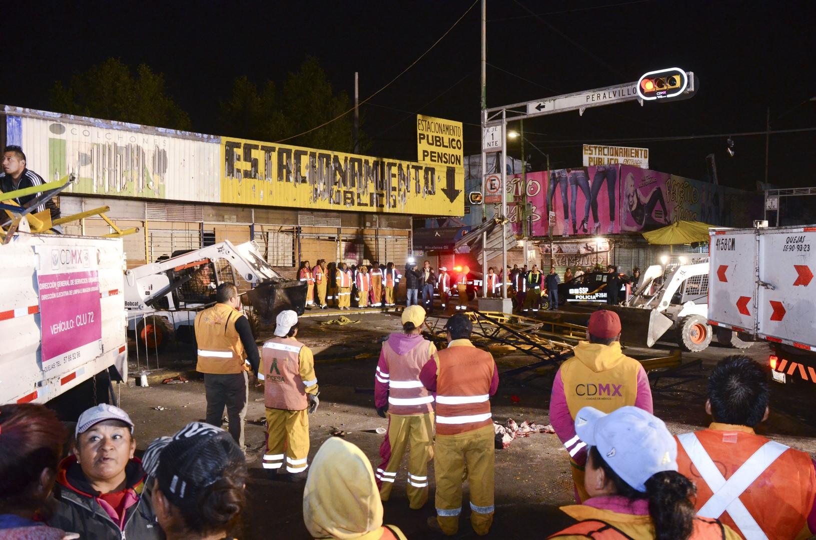 Retiro de comerciantes en Eje 1 Norte,CDMX. ( Secretaría de Gobierno de la CDMX)